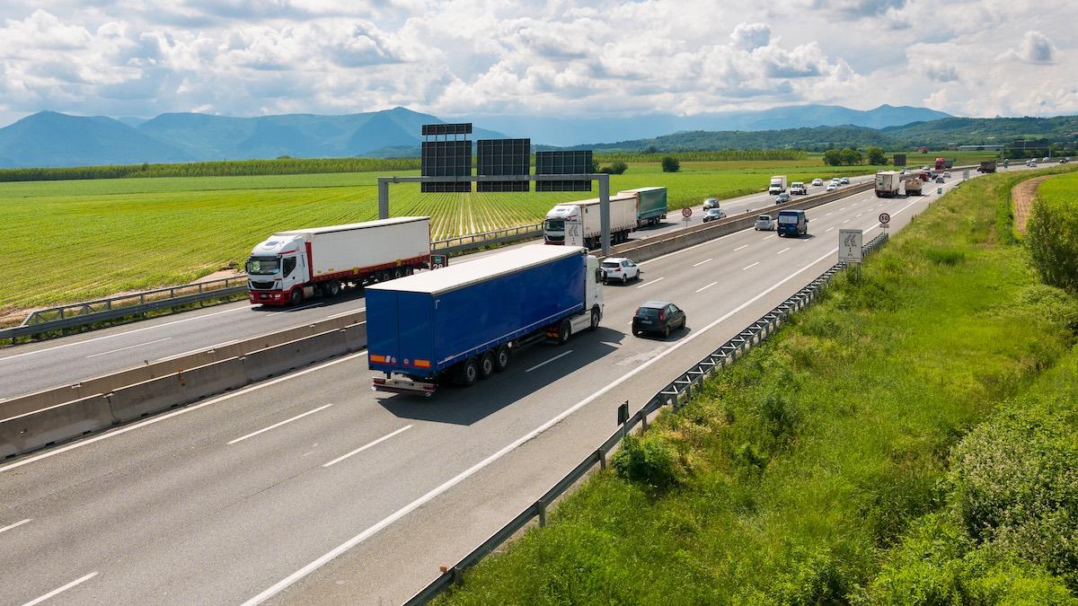 Od 24 stycznia 2018 r. nowe zasady transportu odpadów.